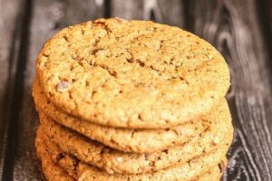 Almond Butter Chocolate Chip Cookies - Lauren Kelly Nutrition