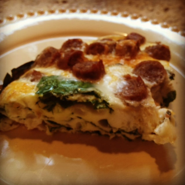 This Egg Sausage Casserole with Spinach is a HUGE  crowd pleaser for brunch or breakfast any day of the week! www.laurenkellynutrition.com