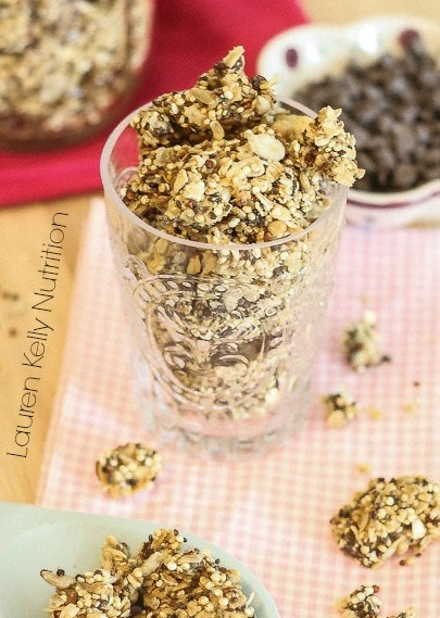 Peanut Butter Chocolate Chip Quinoa Granola #glutenfree