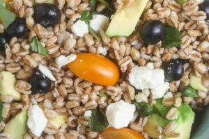 Summer Farro Salad from Lauren Kelly Nutriiton