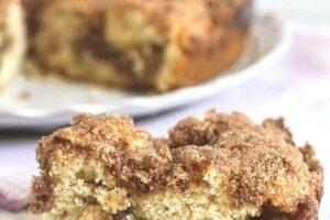 Cinnamon Coffee Cake from The Greek Yogurt Cookbook ~ Lauren Kelly Nutrition #greekyogurt