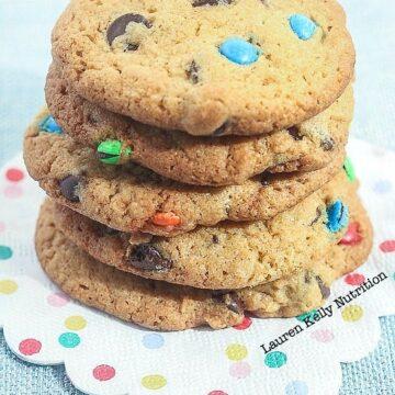 Birthday Chocolate Chip Cookies from Lauren Kelly Nutrition #healthier #fun