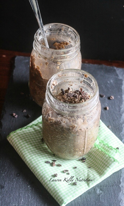 This Gingerbread Chocolate Overnight Oats is the perfect way to keep you healthy through the busy, holiday season! #myAloha #Alohamoment #PMedia #ad