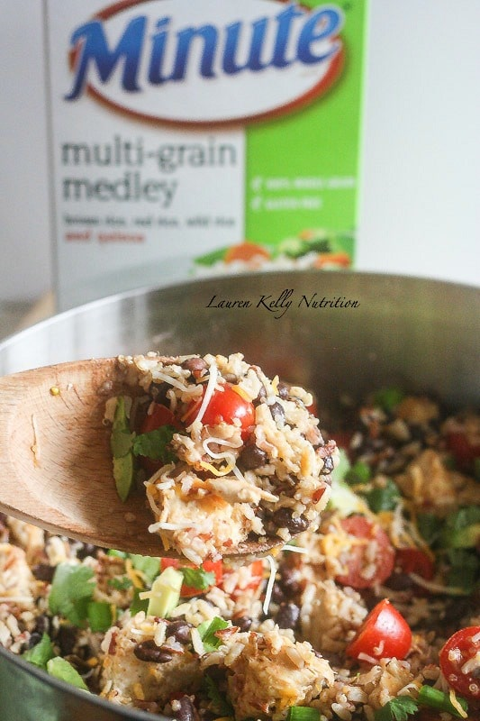 This Southwestern Skillet is perfect for busy weeknights and everyone loves it! #minuteholiday #ad #glutenfree