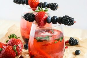At only 100 calories, this Berry Wine Spritzer is simple to make, guilt-free and gorgeous! From Lauren Kelly Nutrition