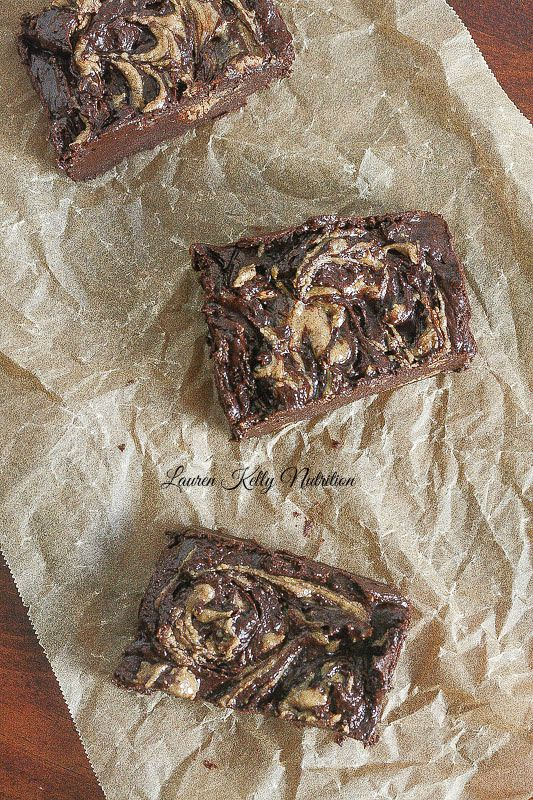 No Bake Almond Butter Fudge Bars #vegan #glutenfree #dairyfree