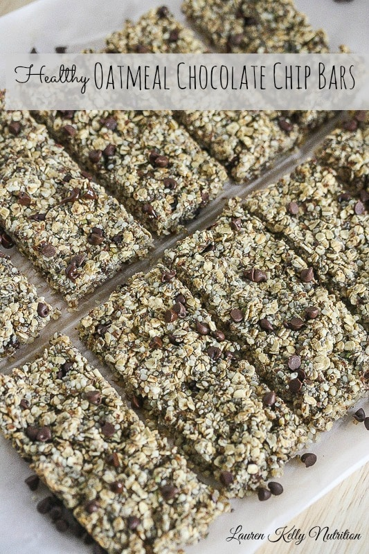These Healthy Oatmeal Chocolate Chip Bars are packed with protein and fiber! They take minutes to prepare! #vegan #glutenfree #dairyfree