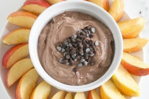 Chocolate Mint Greek Yogurt Dip is delicious, healthy and take 5 minutes to prepare! www.laurenkellynutrition.com #ChocolateForJoan #ChocolateEveryDamnDay