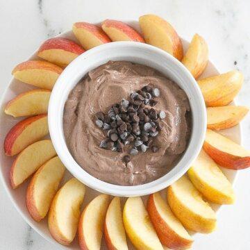 Chocolate Mint Greek Yogurt Dip is delicious, healthy and take 5 minutes to prepare! www.laurenkellynutrition.com #ChocolateForJoan #ChocolateEveryDamnDay