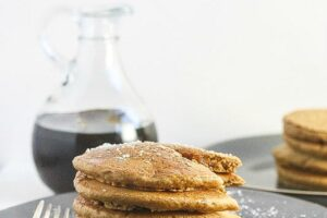 These Gingerbread pancakes are not only vegan and dairy-free, but they are fluffy and delicious! www.laurenkellynutrition.com #DrinkVintage #seltzer