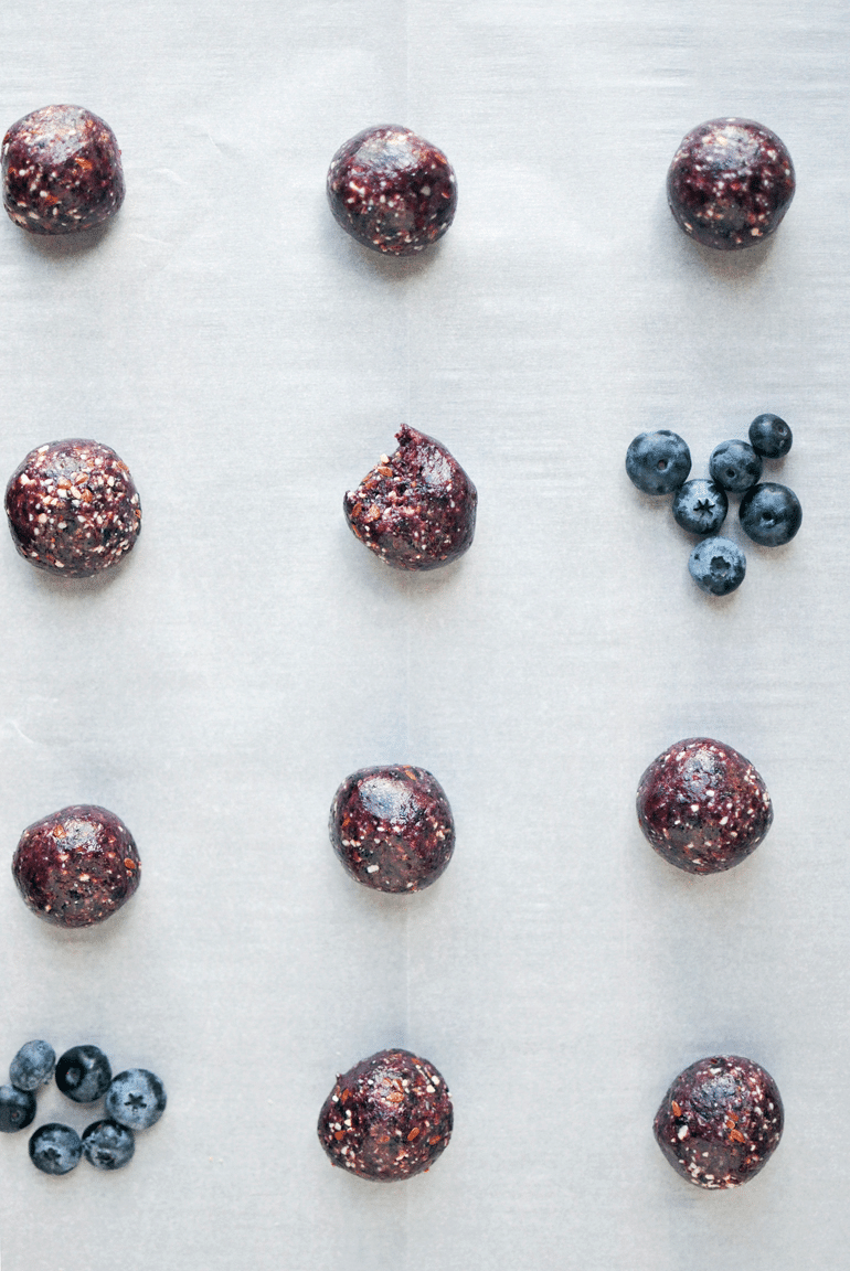 blueberry-bliss-bites-lined-up-noshandnourish