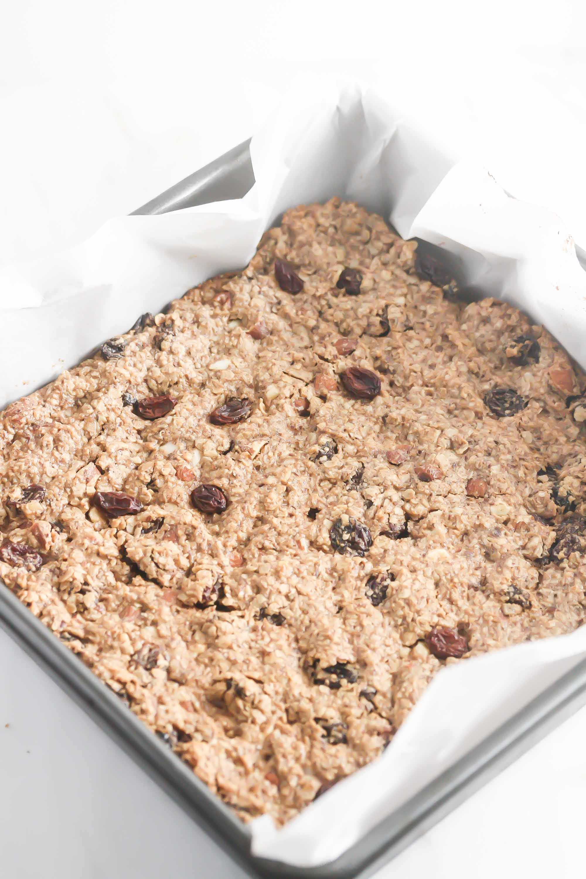 http://www.sunmaid.com/fitness/guest-food-bloggers/almond-oatmeal-raisins-bars/