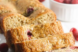 Gluten Free Raspberry Banana Bread made lighter, healthier and still delicious! www.laurenkellynutrition.com