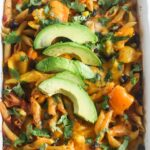 This One Dish Salsa Pasta Chicken Bake takes less than 10 minutes to prepare and the pasta doesn't need to be cooked before hand. It's not only simple to make, but also healthy and delicious! From Lauren Kelly Nutrition #OrganicforAll