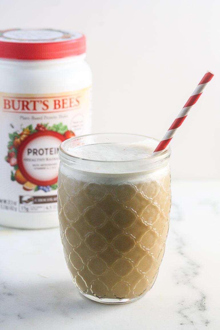 Vanilla Burt's Bees™ Protein Shakes from Lauren Kelly Nutrition #drinkitallin #ad