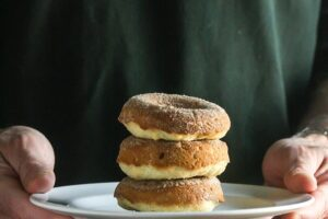Baked Apple Cider Donuts from Lauren Kelly Nutrition. All of the flavors, none of the guilt!