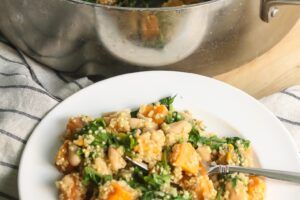 One Pot Sweet Potato Kale Quinoa Skillet that will be ready in under 30 minutes from Lauren Kelly Nutrition