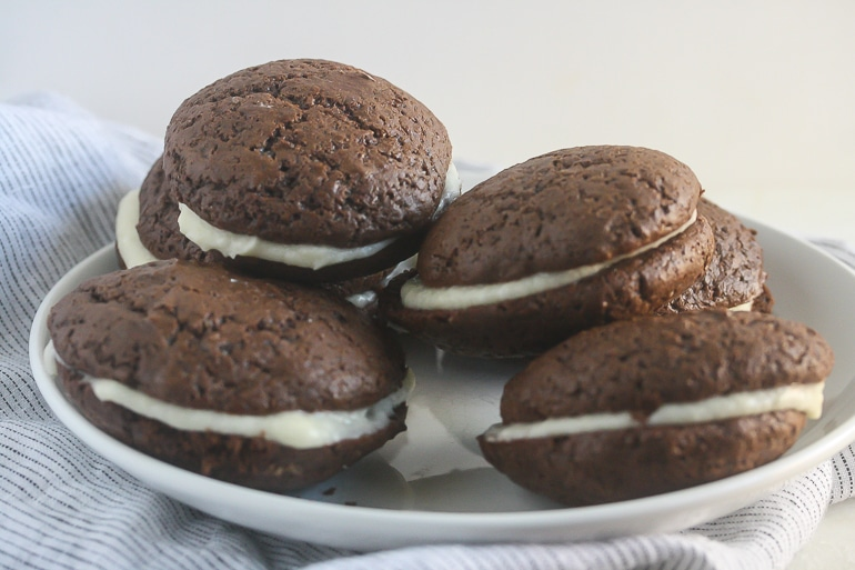 These Vegan Whoopie Pies from Lauren Kelly Nutrition have a cake-like texture and a sweet, whipped filling.