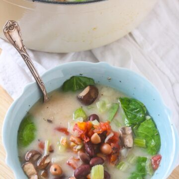 This velvety-smooth Creamy Vegetable Soup is packed with nutrition! @LoveMySilk #SilkProteinNutmilk