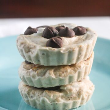 With just three simple ingredients, these Frozen Yogurt Almond Butter Cups are simple to make, healthy and delicious!