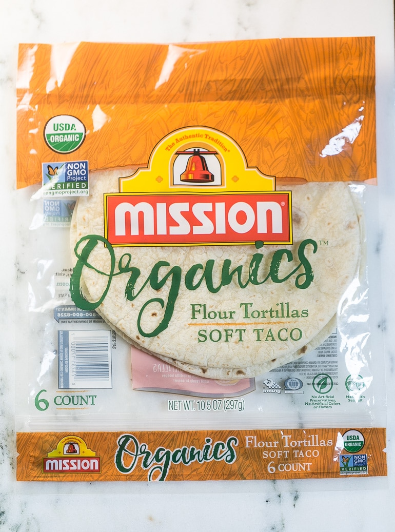 Farmer's Market Vegetable Quesadilla from Lauren Kelly Nutrition #MissionOrganics