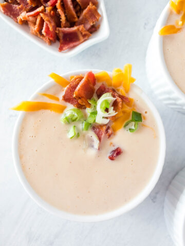 With just a few simple ingredients, this Easy Cauliflower Soup is simple to make , keto, gluten free, low carb and sugar free!