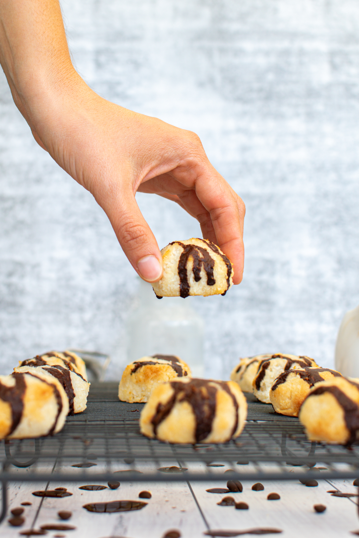 These delectable Sugar Free Coconut Macaroons from Lauren Kelly Nutrition are so easy to make with just a few simple ingredients! #keto #lowcarb #glutenfree