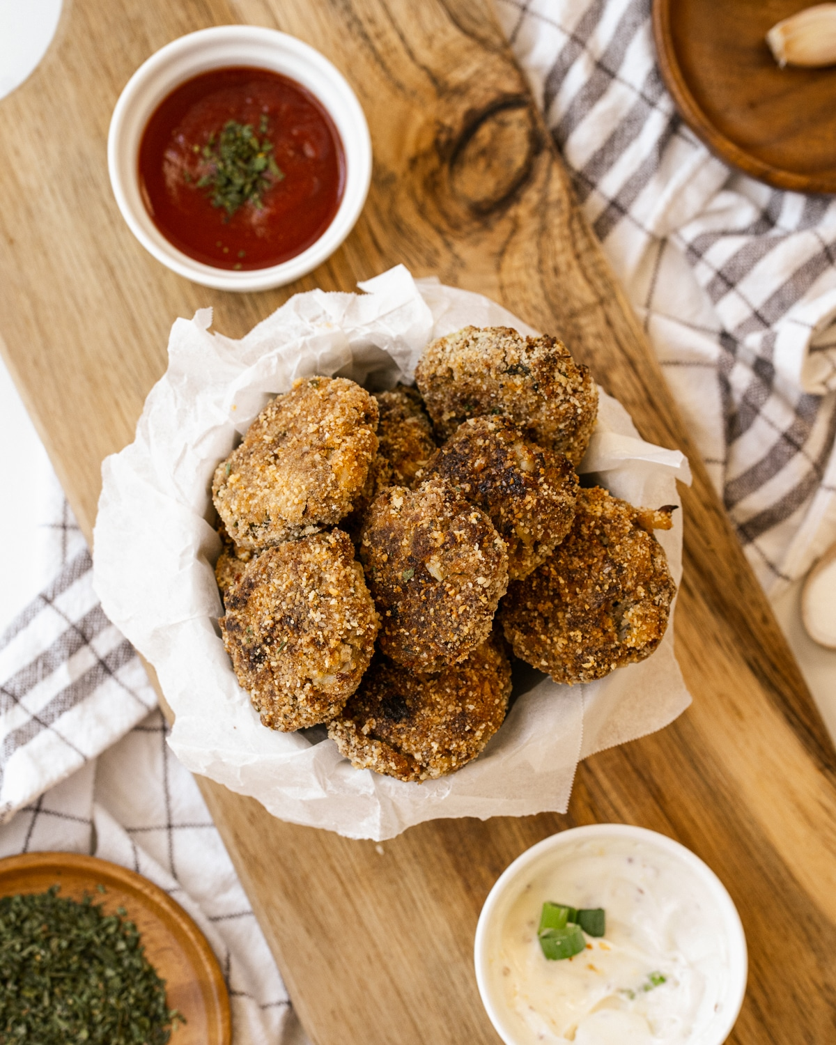 Simple to make, loaded with veggies and super healthy, these delicious Cauliflower Tots will be your family's favorite!