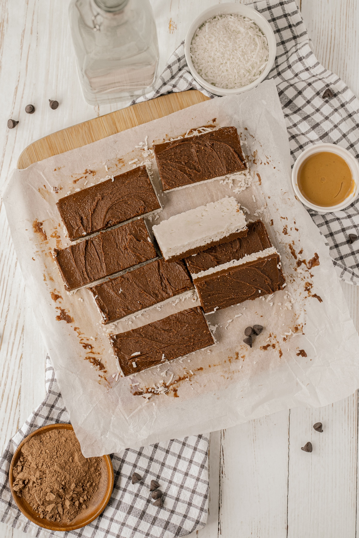 These No Bake Coconut Fudge Bars will be ready in minutes and are crazy delicious. They are vegan, gluten free, dairy free, sugar free and low carb!
