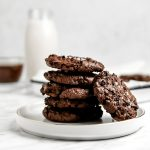 These delicious and simple to make Brownie Cookies are the perfect treat. They are gluten free, sugar free, low carb, sugar free and Keto friendly!