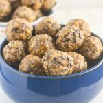 These No Bake Coconut Almond Butter Bites Cacao brought to you by Now Foods! www.laurenkellynutrition.com
